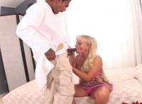 Donna matura inculata dal suo dottore