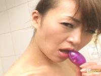 Masturbazione vaginale con una figa asiatica